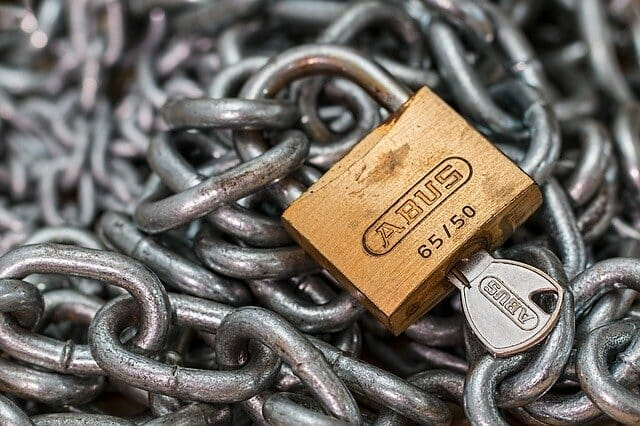 chain and lock representing supply chain security
